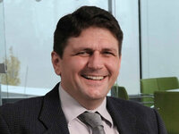 Peter Hutter ist Leiter von Lager, Logistik & Facility Management.