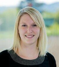 Ines Andrä ist Leiterin des Vertriebsinnendienstes für passive Bauelemente.