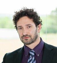 Antonello Rosa ist Verkaufsingenieur.