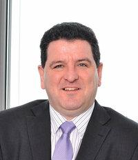 Stephen Price ist Gebietsverkaufsleiter für aktive Bauteile in UK und Irland.