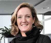Elisabeth Streiter-Bax ist Ihre Ansprechpartnerin in der Abteilung Auftragsbearbeitung.