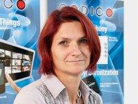 Eveline Fink ist Sachbearbeiterin in der Logistik.