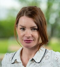 Szabina Schiewerth is your contact person in the inside sales department.