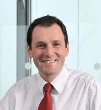 Thomas Jell ist Verkaufsleiter für passive Bauteile.