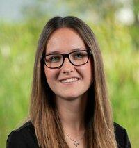 Denise Menner ist Ihre Ansprechpartnerin im Vertriebsinnendienst.