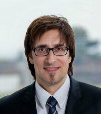 Dirk Voss ist Gebietsverkaufsleiter für passive Bauteile in Deutschland.