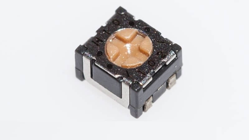 NIDEC SMD trimmer potentiometers with a package size of just 2.8x2.4mm.